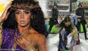 """Carnaval muestra a """"Jesús"""" como mujer y golpeado por policías"""