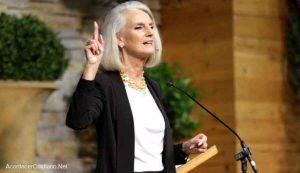 """""""Es hora de orar y alejarnos de nuestros pecados"""", dice hija de Billy Graham"""