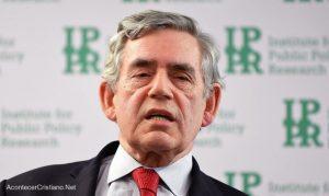 "Ex primer ministro británico pide un ""gobierno mundial"" para detener coronavirus"
