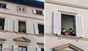 """Italianos cantan """"Cuán grande es mi Dios"""" desde ventanas de sus casas (Video)"""