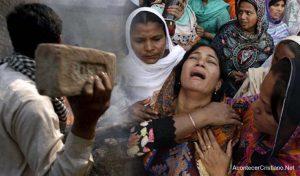 Turba de musulmanes ataca a cristianos por construir iglesia en Pakistán